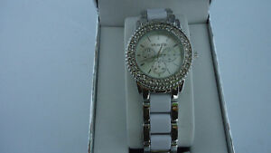 Beautiful Ladies Watch-Unlisted by Kenneth Cole-Brand New in Box Windsor Region Ontario image 4