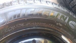 4 Michelin X Ice Winter Tires on Rims - 195/65/15