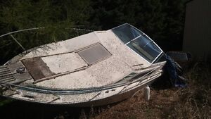30 ft Cruser for part & salvage London Ontario image 1