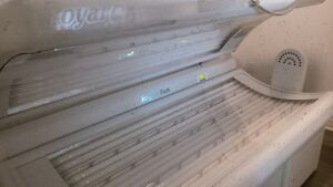 Royal Sun Express Commercial Tanning Bed