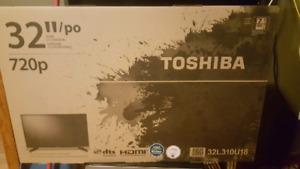 Toshiba 32 inch HD LED tv