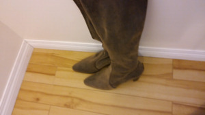 Leather boots DONALD J PLINER size 8.5-9 NEW