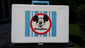 1960'S / 1970'S MICKEY MOUSE RECORD PLAYER