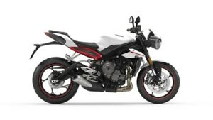 2018 Triumph Street Triple R LOW RIDE HEIGHT Crystal White Metal