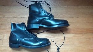 NEW black leather CSA steel toe boots - Sz 10.