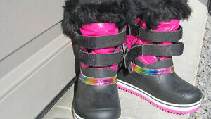 Winter Shoes Girls 7 to 10 years Peterborough Peterborough Area image 10