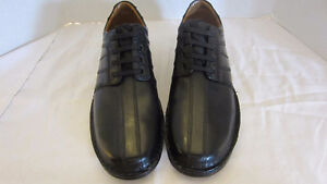 10.5W Clarks Toureg Vibe Dress shoes  BRAND NEW Never worn