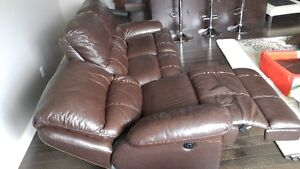 Genuine automatic reclining leather couch London Ontario image 3
