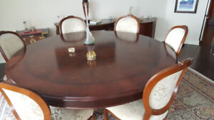 Round Hand Painted Wood Dining Table with 8 chairsExquisite din