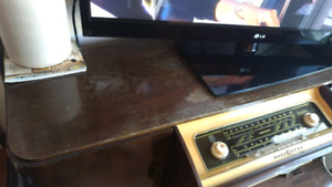 Lowes-Opta Tube Radio - working condition