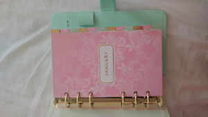 Nice Planner for sale. Dont like the style. $20.00 London Ontario image 3