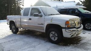 2004 GMC Sierra 2500 HD Pickup Truck