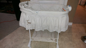 Bassinet (used once)