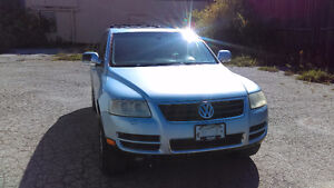 2004 Volkswagen Touareg V8 SUV in good condition - $4400 negot