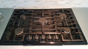 """BOSCH BLACK 30"""" GAS COOKTOP STOVE FOR SALE, $395 OBO."""