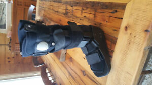 Aircast Boot with Crutches