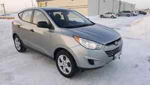 2012 hyundai Tucson ...Rare find...quick sale!