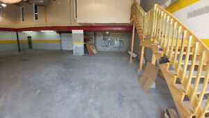 GARAGE ENTREPOT COMMERCIAL A LOUER/MONTREAL (RDP)