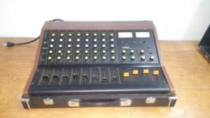 Yamaha PM 430 8 Channel Mixing Board