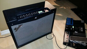Fender Mustang 4 v.2 150 watts   $400 negociable