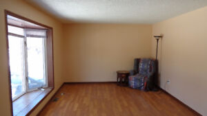 3 Bedroom Apartment Walking Distance to Downtown Orangeville