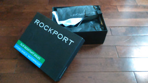 Brand New Mens Winter Boots and Roots Wallet