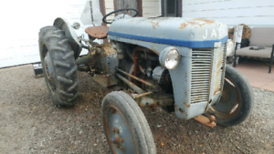 1947 Furguson 30HP tractor with Blade