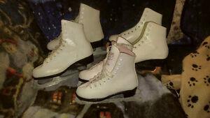 4 paires de patins artistiques,de glace dont une paire ajustable