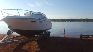24 foot sea ray with tandem axle aluminum trailer