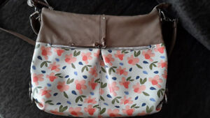 Relic Floral Handbag  Made by Fossil
