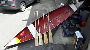 Canoe with 4 paddles(2 new)