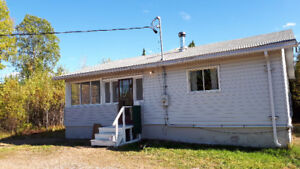3 Bdr Rural Home, View of Inland Lake, 21 miles from City