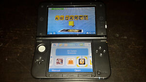 Nintendo 3DS xl for sale with game and shock case