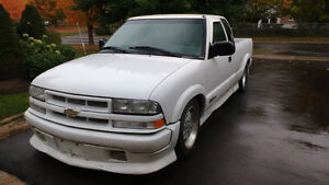 2001 Chevrolet S-10 Xtreme Pickup Truck