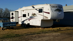 2006 Cedar Creek 36' 5th Wheel