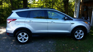 2014 Ford Escape AWD, 2.0 litre ecoboost low kms !