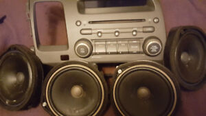 Honda Civic Dash Stereo w/ 4 Speakers