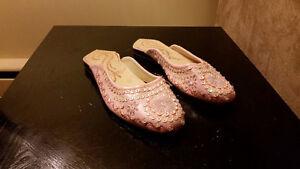 Unique slipper/sandal/house shoe