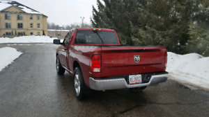 2014 Ram 1500 ST 5.7 HEMI LOW KMS SHORTBOX