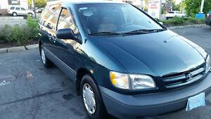 1998 Toyota Sienna CE Minivan,good condition,with E test