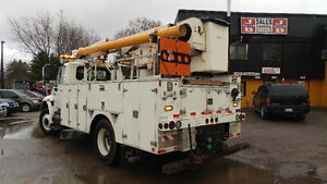 2002 International Bucket Truck! Cert and E-tested London Ontario image 10