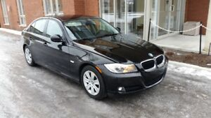 BMW 2011 323i Sedan Automatic Low-Gas consumption