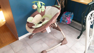 BABY PADDED SLEEPER SWING WITH MOTION CONTROL AND MUSIC