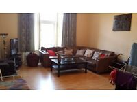 2 Double Bedrooms to Let in a 3 Bedroom Flat
