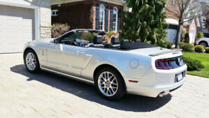 Mustang 2014 décapotable Gris argent