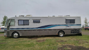 Great American Eagle 38ft Cummins 8.3 Diesel Pusher Motorhome