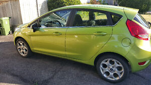 2011 Ford Fiesta SES Hatchback - low km