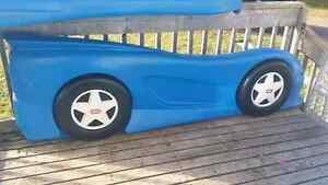 Little tikes twin size car bed