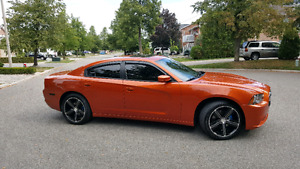 2011 Dodge Charger RT AWD loaded with Navigation
