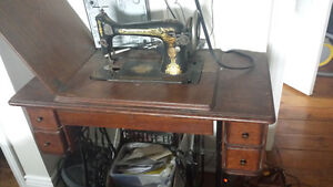 For SALE: No. 127-3 SINGER sewing machine